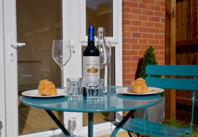 outdoor dining detail
