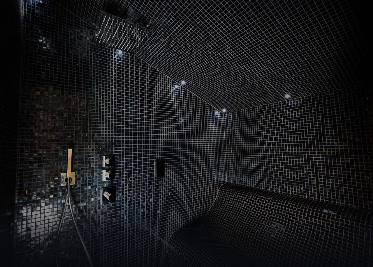 steam room chic